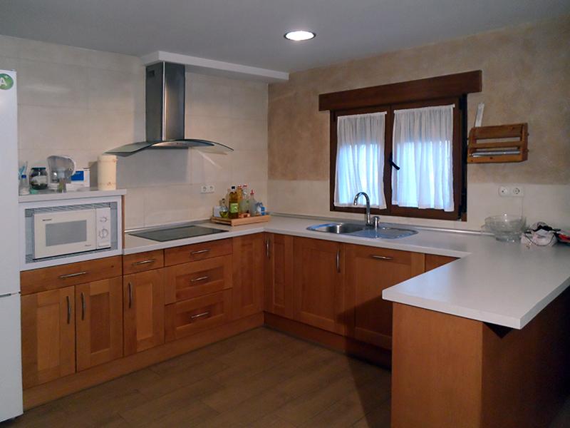 Reforma cocina sal n r stico fondecor for Visillos para salon rustico