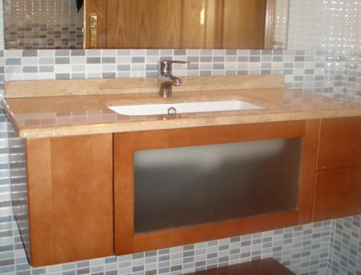 Reforma baño madera y cristal