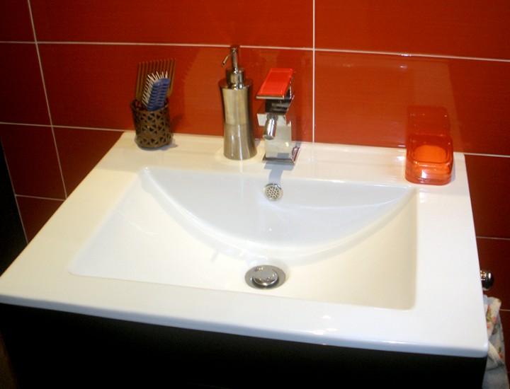 Reforma baño rojo